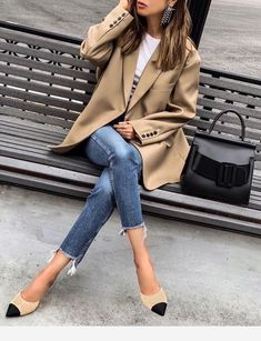 Blazer, jeans and stiletto