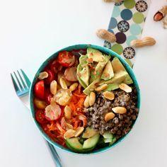 Salade végétarienne aux lentilles et avocat