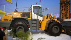 Liebherr - L 580 wheel loader @ bC India 2014
