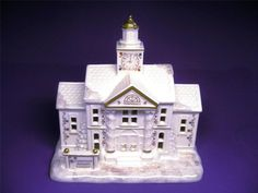 LENOX AMERICAN by DESIGN MISTLETOE PARK SERIES TOWN HALL VILLAGE TREASURES NIB