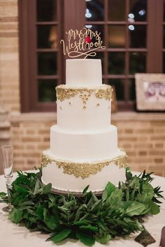 140 Best Gold Leaf Cake Images Bakken Decorating Cakes Wedding Ideas
