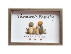 Outstanding DIY Gifts For Family - Outdoor Click Diy Gifts For Kids, Easy Diy Gifts, Gifts For Family, Rock Sign, Family Picture Frames, Rock Family, Stone Art Painting, Pebble Art Family, Established Family Signs