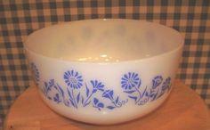 vintage-federal-glass-2-1-2-qt-mixing-bowl-blue-flowers-milk-glass