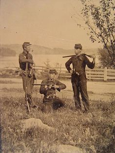 Unidentified Soldiers Smoking Pipes    Confederate... - The Civil War Parlor