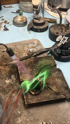 Before soldering the inner piece inside of the ring we annealed (pre heating) the ring to be easier to melt down the solder. Pearl Jewelry, Indian Jewelry, Diy Jewelry, Antique Jewelry, Gold Jewelry, Jewlery, Jewelry Design, Jewelry Making Tools, Fabric Jewelry