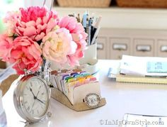 I love what she does with the rolodex..so pretty.