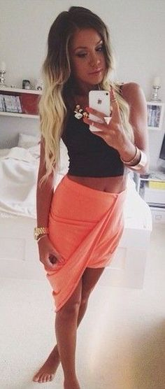Summer Outfit - Love this skirt! But with a white crop top! Or a crochet crop top!