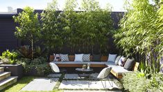 Large backyard landscaping ideas are quite many. However, for you to achieve the best landscaping for a large backyard you need to have a good design. Small Outdoor Spaces, Courtyard Gardens Design, Small Garden Design, Garden Seating, Outdoor Living, Home Garden Design