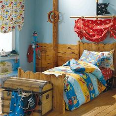 boy kids room ideas, boys room designs. Could I turn the canopy bead into a pirate ship?