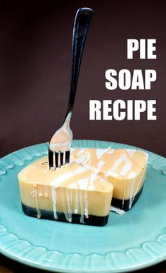 Learn how to make this easy pumpkin spice pie soap recipe! Made using a natural…