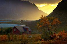 Vareidet, Flakstad Island by steinliland, via Flickr