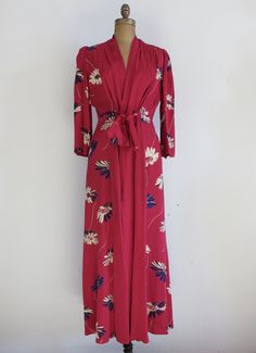 Vintage 1940's Robe/40's Floral Dressing Gown/40's Nightgown/Hollywood 1940's Dressing Gown/40's Hollywood Robe /Size Small/Free Shipping by inVintageCondition on Etsy