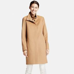 This coat made with premium cashmere is a cut above. <br>・Made with 100% cashmere, the most luxurious of fabrics. <br>・The rounded, cocoon silhouette provides a feminine look. <br>・Slash pockets, fly front and matte buttons make an elegant impression. <br>・Easy to style with both dressy and casual outfits.