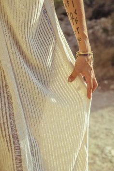 AGORA Hand woven KAFTAN in Golden crochet · Pure linen and Viscose - Mèrit Orlando · Handcrafted in Ibiza Author Slowfashion Ibiza, Maxi Kaftan, Slow Fashion, Hand Knitting, Orlando, Hand Weaving, Pure Products, Leather, Handmade