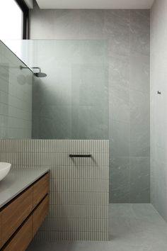 Home Interior Cocina Minimal bathroom design.Home Interior Cocina Minimal bathroom design Bad Inspiration, Bathroom Inspiration, Bathroom Inspo, Minimal Bathroom, Modern Bathroom, Home Design, Diy Design, Design Projects, Interior Minimalista