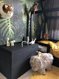 Zwarte steigerhout speelgoedkist van klein en stoer - Klein en stoer