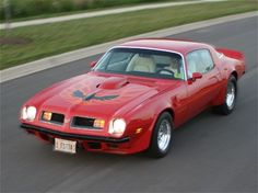 1975 Pontiac Firebird Pictures: See 34 pics for 1975 Pontiac Firebird. Browse interior and exterior photos for 1975 Pontiac Firebird. Us Cars, Sport Cars, Pontiac Cars, Pontiac Firebird Trans Am, Dodge Power Wagon, American Muscle Cars, American Sports, Drag Cars, Gto