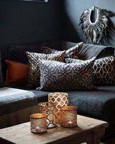 Snart helg! Tenk å kunne synke ned i sofaen med disse fine putene fra vår utstiller @lamainterior designet av @halvor.bakke House Design, Decor, Pillows, Furniture, House, Bed, Home, Couch, Home Decor