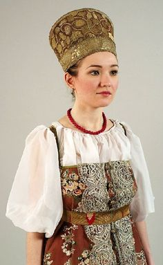 Collection of folk costumes in the State Russian Museum is one of the largest in Russia.