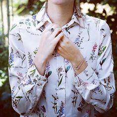 SÚPÈR  #emmetrend #fashionblogger #fashion #style #stylish #love #design #model #blusa #outfit #purse #shopping #trend #blogger  #moda