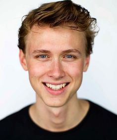 Henrik H(is smile makes me cry)olm