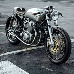 1,451 Likes, 9 Comments - Cafe Racers and Vintage Bikes (@streetcaferacers) on Instagram