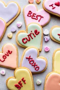 Decorated Valentine's Day heart sugar cookies that resemble conversation heart candies! So delicious and fun for the holiday! Decorated Valentine's Day heart sugar cookies that resemble conversation heart candies! So delicious and fun for the holiday! Valentine Desserts, Valentines Day Cookies, Valentines Day Hearts, Diy Valentine, Valentine Cookie Recipes, Valentines Baking, Valentines Day Chocolates, Birthday Cookies, Valentinstag Party