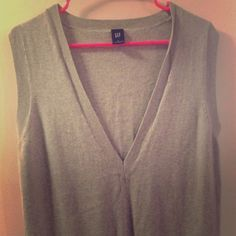 Men's Gap sweater vest size Large Men's Sweater vest size Large. I wore this as a dress/long top with leggings and boots and I'm usually a women's Medium....it was baggy but cute. Some light pilling and wear 😊🌸 GAP Sweaters