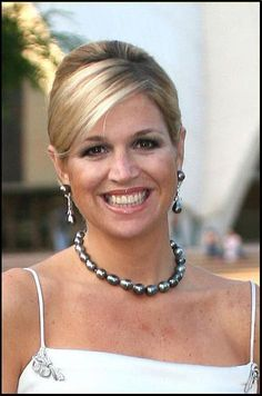 HM Queen Maxima of the Netherlands and her stunning tahitian pearls.