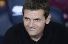 Tito Vilanova Exentrenador del Barcelona F. C. murió a los 45 años el 25 de abril de 2014 a causa del cáncer que padecía desde 2011.