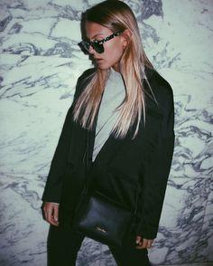 "2,703 Gostos, 23 Comentários - Alessa Winter (@alessaa_w) no Instagram: ""Black Blazer, Black CK Bag, Black I like you. You can find the look on @aboutyoude #HappyNewYou…"""
