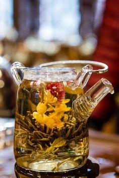Blooming Tea by Guill_B Tea Culture, Flower Tea, Tea Art, Tea Infuser, Mets, Tea Ceremony, Tea Recipes, High Tea, Drinking Tea