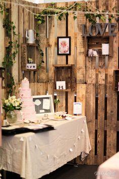 Stand salon du mariage soultz Décoration / papeterie : Aujourd'hui c'est…  Wedding cake : L'art du gâteau Photos : Gérald Cometto Photographe Colmar Alsace
