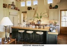kitchen w/coffee bar