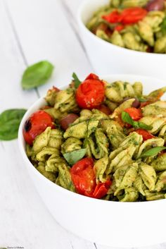 Vegan Avocado Pesto Pasta with Burst Cherry Tomatoes. This oil free avocado pesto is an easy meal to make for dinner and is on the table in only 25 minutes. Gf Recipes, Veggie Recipes, Pasta Recipes, Italian Recipes, Whole Food Recipes, Cooking Recipes, Healthy Recipes, Vegetarian Recipes, Healthy Meals