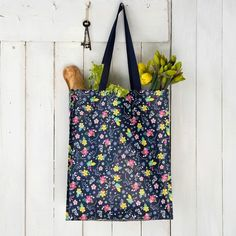 Ditsy Garden Shopping Bag from Rex London - the new name for dotcomgiftshop. Great value gifts and homeware in original designs. Recycled Bottles, Recycle Plastic Bottles, Retro Home Decor, Shopper Bag, Ditsy, Winter Sale, Bag Making, Recycling, Reusable Tote Bags