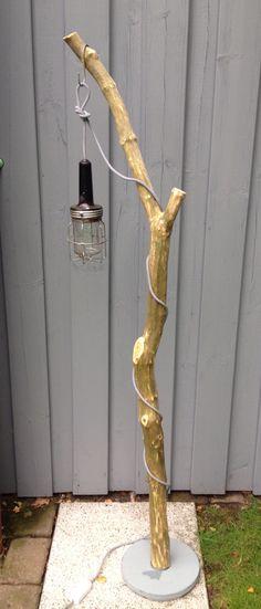 DIY Lampe aus Treibholz, Werkstattlampe , altem Ikea-Lampenfuss