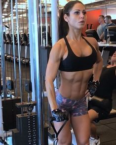 "22.5 mil Me gusta, 360 comentarios - ANITA HERBERT IFBB PRO (@anita_herbert) en Instagram: ""Anterior deltoid - shoulder smash ⚙ Get ready for some serious shoulder gains . Super set the…"""