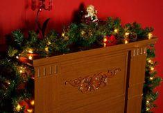 30 nápadů na vánoční dekorace za pár korun Liquor, Buffet, Outdoor Decor, Home Decor, Products, Led Garland, Food, Alcohol, Decoration Home