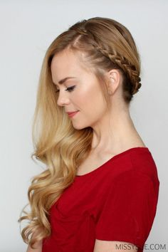 Bohemian Sideswept Dutch Braid - beautiful hair styles for wedding Side Swept Hairstyles, Braided Hairstyles For Wedding, Down Hairstyles, Trendy Hairstyles, Prom Hairstyles, Braids With Curls, Long Curls, Curls Hair, Hair Ponytail