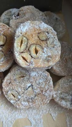 ZA MĚSTEM U LESA: Masarykovo cukroví - výtečné!!! Christmas Sweets, Christmas Candy, Christmas Baking, Christmas Cookies, Czech Recipes, Ethnic Recipes, Sweet Recipes, Cake Recipes, Recipe Scrapbook