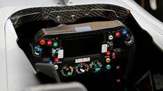 メルセデスF1 W07ハイブリッド: ハンドルの写真 : F1通信