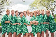 Get swept away this Monday with this relaxed, ocean-side Harbour Island wedding. Lyndah Wells Photography captured this laid back destination affair steps away from the water at the The Ocean View Club. Little Island Design created a romantic reception on the beach by filling the tent with crisp white tablecloths and lush greenery, including some...