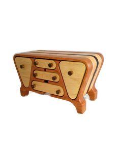 Handmade jewelry box / bandsaw box / desk organizer / 5th anniversary wedding gift / wood box / keepsake box / made in canada / trinket box