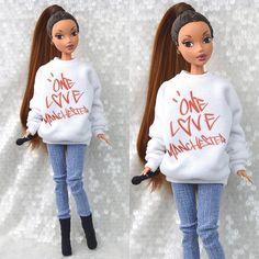 Custom Ariana Grande NTLTC music video doll I made 💧☔️ Ariana Grande Doll, Ariana Grande Tumblr, Ariana Grande Photoshoot, Ariana Grande Fans, Ariana Grande Outfits, Ariana Grande Wallpaper, Gravity Falls, Bratz Doll Outfits, Ariana Merch