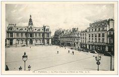 POITIERS - Place d'Armes
