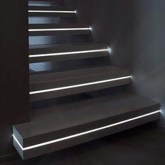 Excelente solução para iluminar  escadas!!!