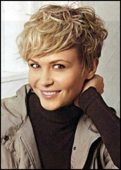 Short Hairstyles for Coarse Hair. 28 Inspirational Short Hairstyles for Coarse Hair. Short Haircut for Thick Coarse Hair – Wavy Haircut Very Short Bob Hairstyles, Short Curly Haircuts, Haircuts For Fine Hair, Very Short Hair, Hairstyles With Bangs, Short Hair Cuts, Cool Hairstyles, Hairstyles Pictures, Curly Short