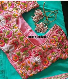 Hand Work Blouse Design, Simple Blouse Designs, Sari Blouse Designs, Designer Blouse Patterns, Bridal Blouse Designs, Blouse Models, Blouses For Women, Embroidery Blouses, Embroidery Works