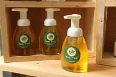 All natural body wash with foaming pump.